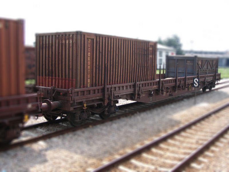 Special four and multiple- axled flat wagon