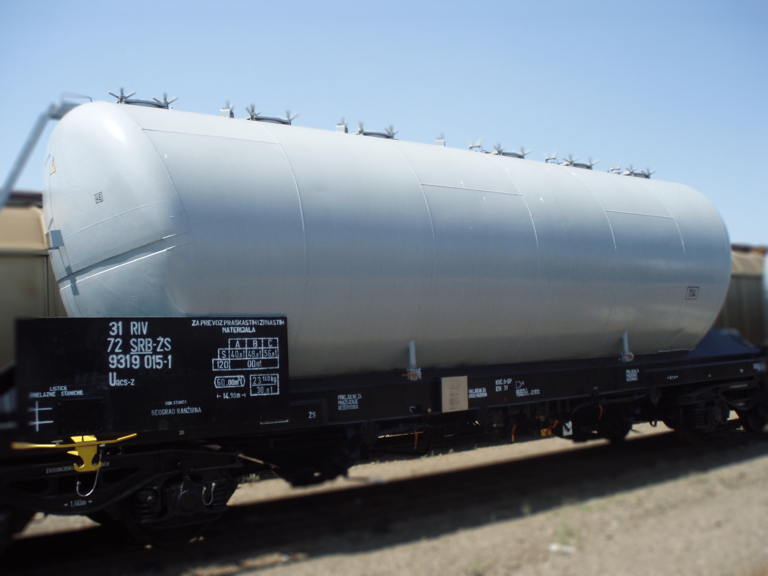 Special air-discharge wagon